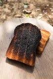 Knusperig und knusprig über gebrannten Toast Lizenzfreie Stockbilder