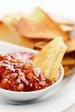 Knusperige Chips des Pfannkuchens mit Störung Stockfoto