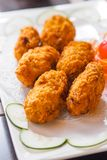 Knusperiger Fried Juicy Oyster Chicken Nuggets lizenzfreie stockbilder