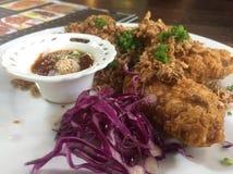 Knusperiges Huhn und Stockfoto