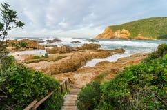 Knysna-Landschaft, Garten-Weg, der Indische Ozean, Südafrika Stockfotos