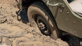 Koło pojazd wojskowy w błocie Zdjęcia Royalty Free