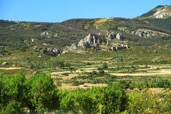 Kołysa z Castillo de Loarre blisko do hiszpańskich Pyrenees zdjęcie royalty free