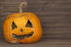Końcówka Halloween, pleśniowa bania Pamiętać Halloween Głowa rzeźbiąca od bani na Halloween Zdjęcie Stock