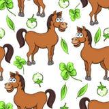 Końska kreskówka rysuje bezszwowego wzór, wektorowa ilustracja Śmieszni śliczni malujący brown koni kwiaty i koniczyna liście na  Fotografia Stock