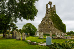 Kościół cmentarz i ruiny zdjęcie stock