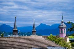 Kościół dachu wierzchołki nad lucerną obrazy stock