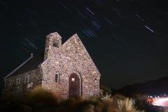 Kościół Dobry bacy gwiazdy śladu jeziora tekapo zdjęcia royalty free
