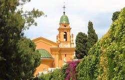 Kościół i cimetery Ładny kasztel, Francja Obraz Royalty Free