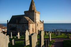 Kościół i cmentarz Obrazy Stock