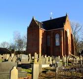 Kościół i cmentarz Zdjęcia Royalty Free