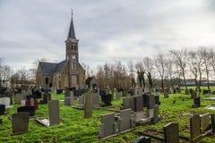 Kościół i cmentarz w Holandia Obrazy Royalty Free