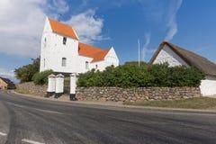 Kościół i droga Zdjęcie Royalty Free