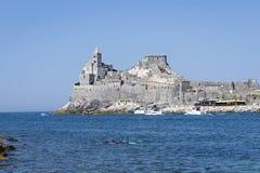 Kościół i morze Portovenere Zdjęcie Stock