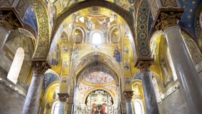Kościół Katolicki od inside kościół, kaplica europejczycy zapas zbiory
