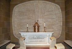 Kościół Katolicki zmienia wnętrze przed dzień ślubu obraz stock