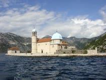 Kościół matka bóg na wyspie Nasz dama skały Kotor zatoka Montenegro Zdjęcie Stock