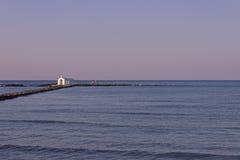 Kościół na morzu, Georgioupolis, Crete, Grecja obraz stock