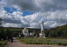 Kościół, niebo, Ukraina, Zarvanytsia obrazy stock