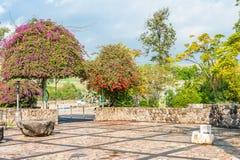 Kościół ogród Obrazy Royalty Free