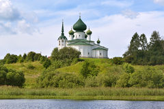 Kościół rzeką Fotografia Stock