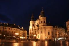 kościół saint Nicholas kwadratowy starego miasta. Zdjęcia Stock
