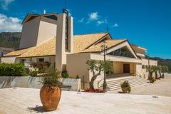 Kościół Santa Maria Assunta w cielo w historycznym centrum Sperlonga miasto Zdjęcie Royalty Free