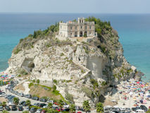 Kościół Santa Maria dell'Isola, Tropea, Włochy obrazy royalty free