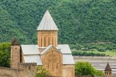 Kościół W Grodowym Powikłanym Ananuri W Gruzja, Wokoło 72 kilometru Obraz Stock