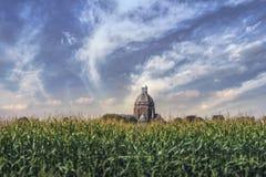 Kościół w kukurydzanym polu Zdjęcia Royalty Free