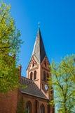 Kościół z niebieskim niebem w Warnemuende, Niemcy Fotografia Stock