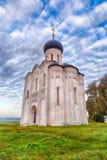 Kościelna intercesja Święta dziewica na Nerl rzece Rosja (HDR) Zdjęcie Royalty Free