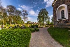 Kościelni ogródy w Gamla Uppsala, Szwecja fotografia stock