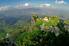 kościelny caltabelotta miasto klasyczny stary Sicily zdjęcie royalty free