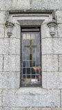 Kościelny okno z krzyżem Zdjęcie Royalty Free