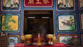 KO张,泰国- 2018年4月12日:在海岛上的中国buddist寺庙 股票录像