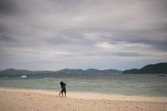 Ko海岛的美丽的景色他在泰国在黎明和黄昏小时内 免版税图库摄影