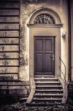 Kościelna tylnymi drzwiami grafika obraz royalty free