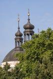 Kościelne iglicy i natura Fotografia Royalty Free