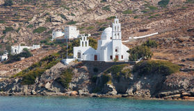 Kościelny Agia Irini w Chora miasteczku na Ios wyspie w morzu egejskim Zdjęcie Royalty Free