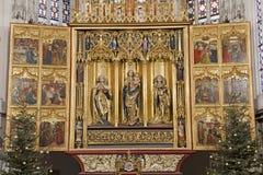 Košice - il main scolpito traversa l'altare volando della cattedrale di Elizabeth del san Fotografia Stock