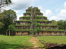 Ko Ker ostrosłup Kambodża Obraz Stock