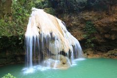 Ko-luang瀑布在南奔泰国,未看见的泰国 库存图片