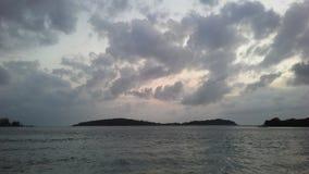 Ko Na Thian i Ko maty Lang wyspy Widzieć od Koh Samui wyspy podczas wschodu słońca na Chmurnym dniu w Tajlandia Zdjęcia Royalty Free