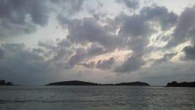 Ko Na Thian i Ko maty Lang wyspy Widzieć od Koh Samui wyspy podczas wschodu słońca na Chmurnym ranku w Tajlandia Zdjęcia Royalty Free