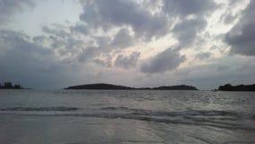 Ko Na Thian i Ko maty Lang wyspy Widzieć od Koh Samui wyspy podczas wschodu słońca na Chmurnym ranku w Tajlandia Fotografia Stock