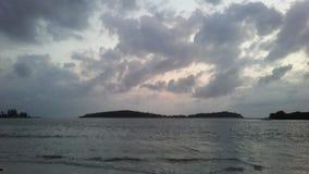 Ko Na Thian i Ko maty Lang wyspy Widzieć od Koh Samui wyspy podczas wschodu słońca na Chmurnym ranku w Tajlandia Obrazy Stock