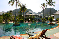 Ko Phi Phi wyspy kurortu basen - Tajlandia Zdjęcia Stock