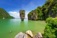 Ko Tapu на острове Жамес Бонд в Таиланде Стоковые Фотографии RF
