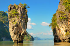 Ko Tapu island. And surrounding rocks Royalty Free Stock Photography